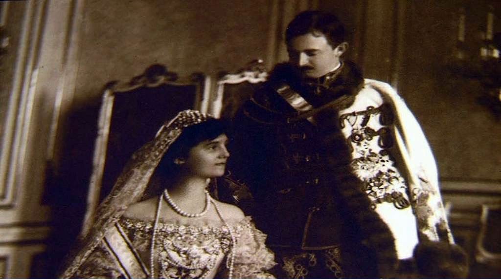 Könyv az utolsó királyi párról