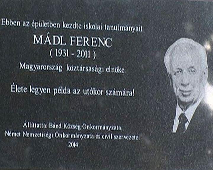 Mádl Ferenc emléktábla Bándon