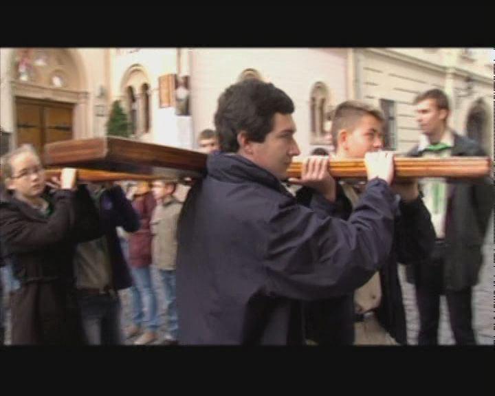 Veszprémben is fogadták az Ifjúsági Keresztet