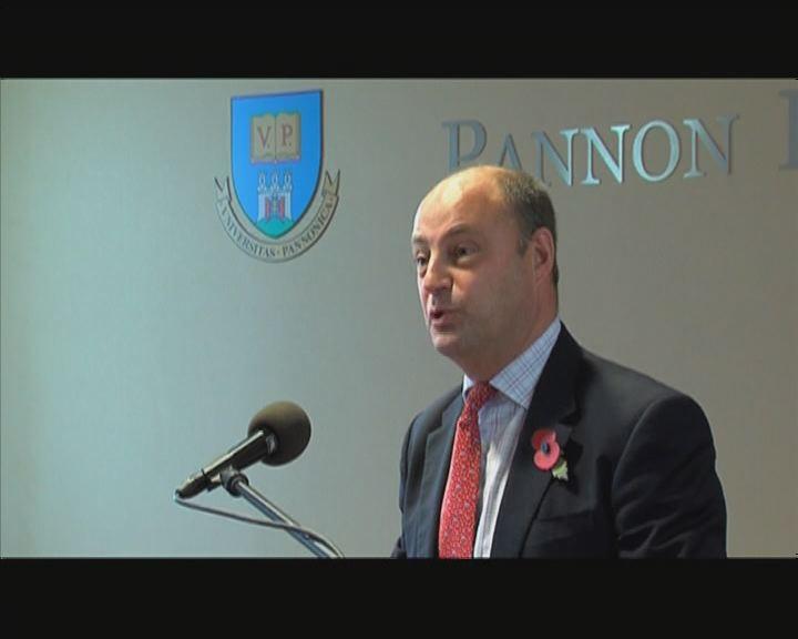 A belga nagykövet az egyetemen