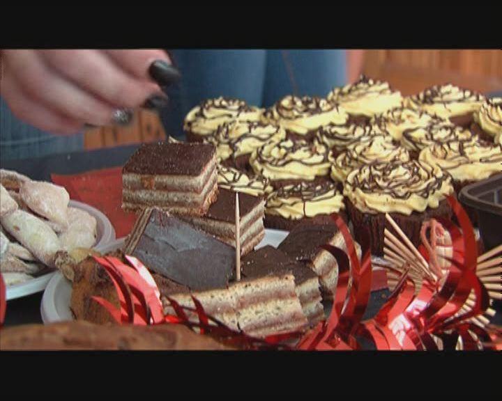 Ajándék sütemények rászorulóknak