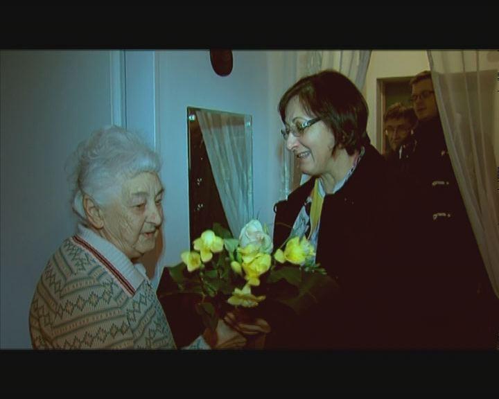 A 90 éves Tihanyi Lászlónét köszöntötték