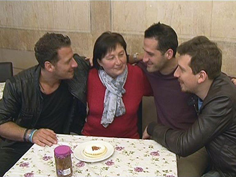 Anyák napja a Vastag családdal