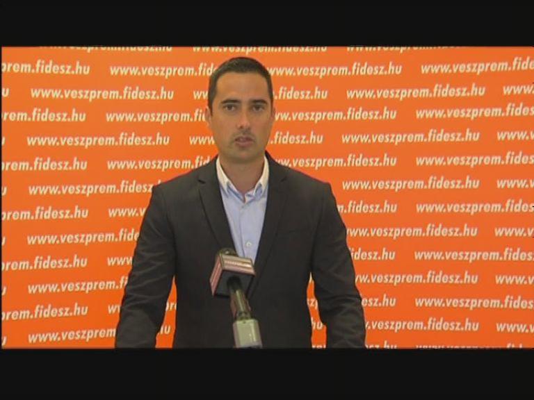 Egységesen kell fellépni Európának menekültügyben - Fidesz