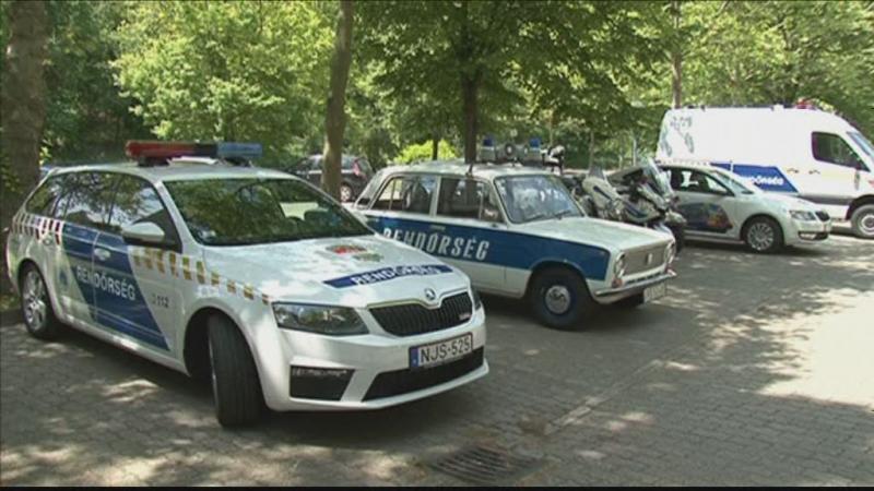 Rendőrök a Balatonnál