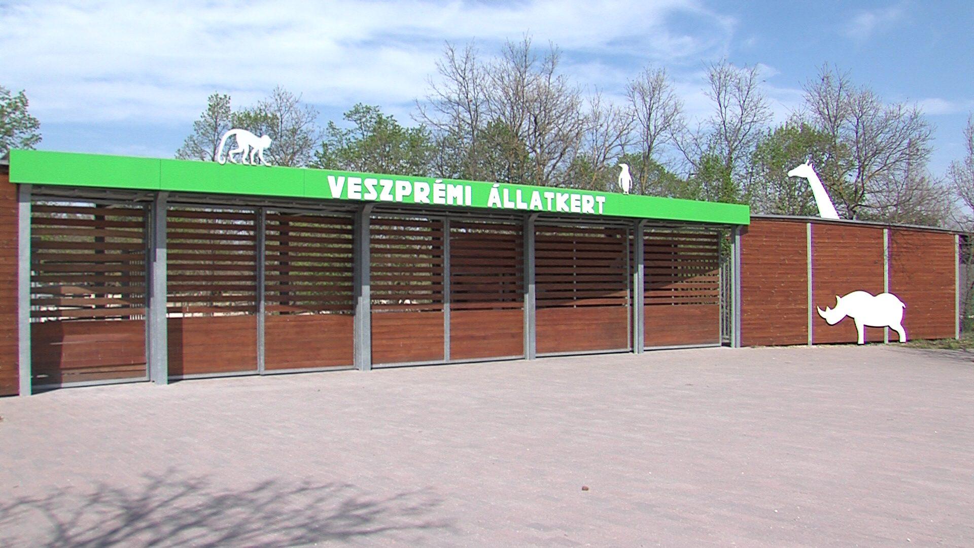 Állatkert zárt kapukkal