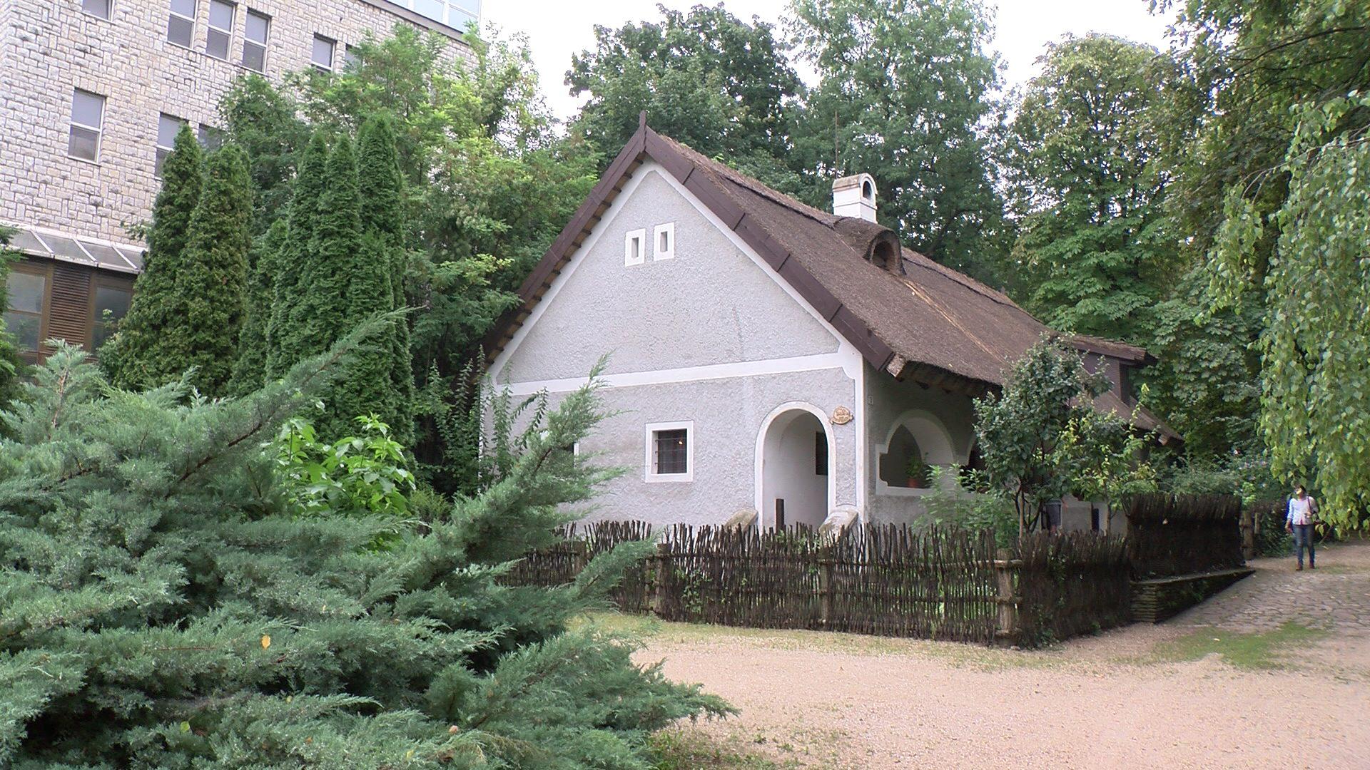 85 éves a Bakonyi Ház