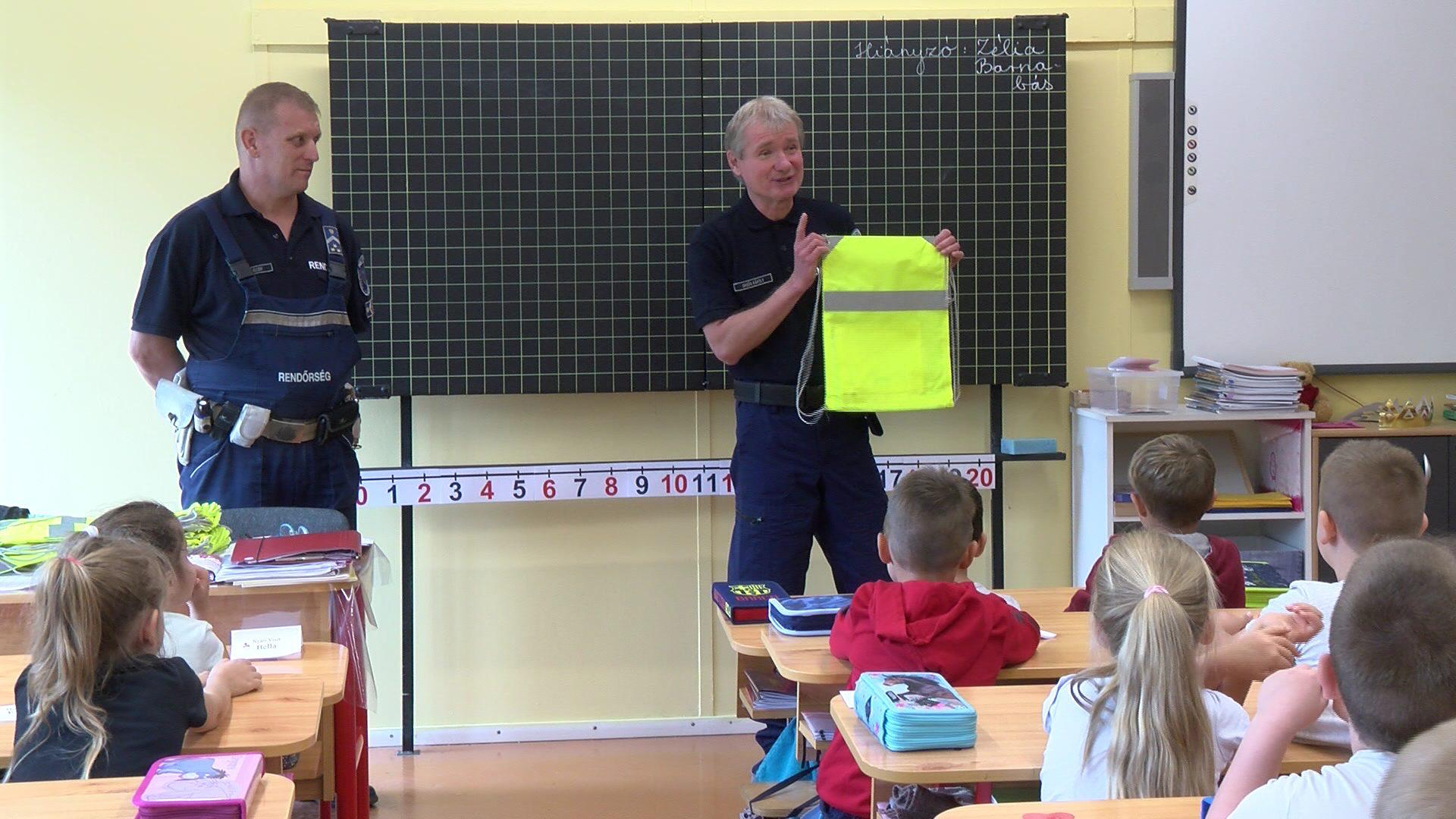 Rendőrök ajándéka
