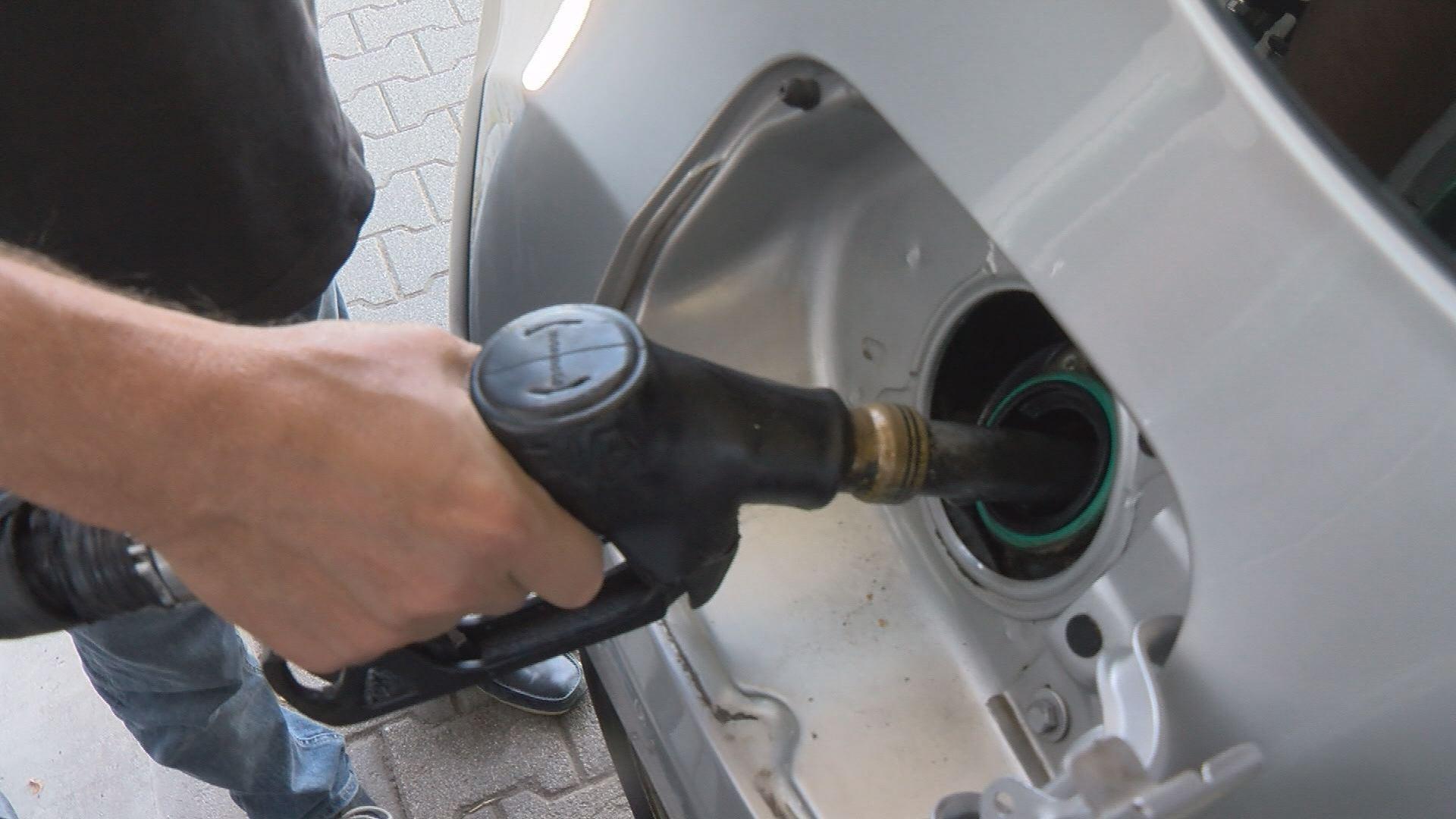 Benzinár csökkenés