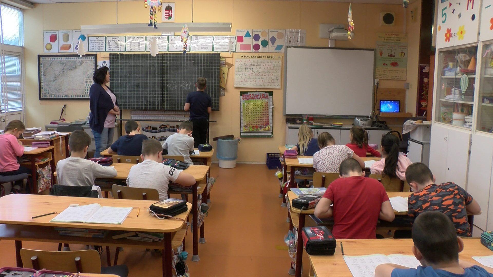Iskolában, biztonságban